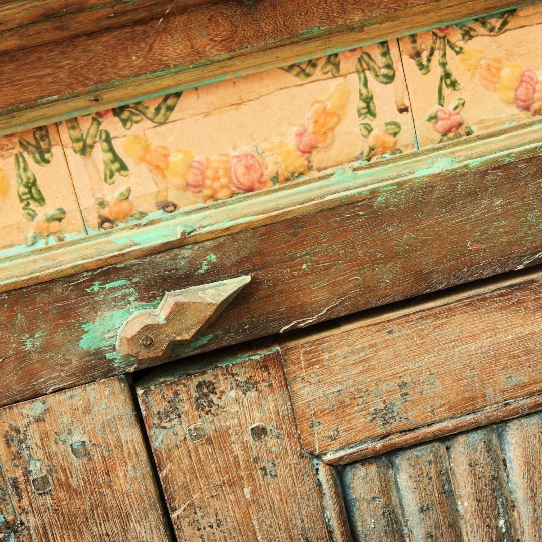 Artes em pátina, restauração de móveis com pática e pinturas especiais